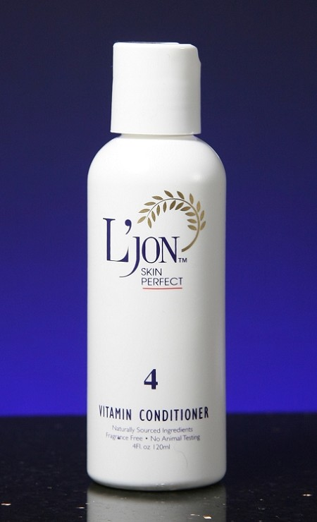 Formula 4 (Vitamin Moisturizer) 4oz / 120 ml<p>The fourth step in the L'Jon 4-step process. Nourishes, moisturizes & protects the skin.  Contains naturally anti-aging antioxidants found beneficial for skin rejuvenation...<br>CLICK FOR MORE INFO